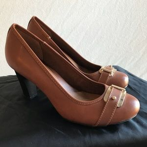 Euro Soft by Sofft Dress Shoes brown size 7 👡❤️